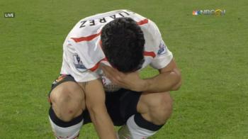 IMAGINI CUTREMURATOARE! Suarez s-a prabusit in lacrimi pe teren! Gerrard a venit si a facut un gest INCREDIBIL. VIDEO