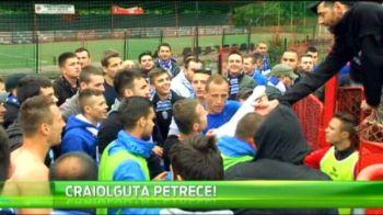 Imagini nebune de la petrecerea de promovare in Liga I a Craiovei! Ce au facut jucatorii in fata galeriei