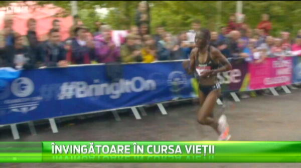 Imagini INCREDIBILE! A alergat pana la linia de sosire si s-a prabusit! Un moment emotionant la maraton! VIDEO