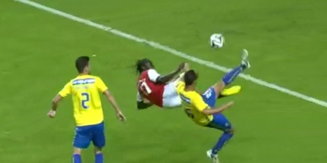 Asta e cel mai tare gol marcat in weekend: foarfeca dementiala, executie  Zlatan style  ca pe playstation! VIDEO