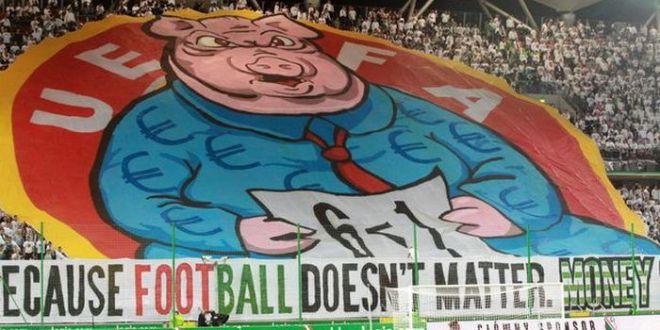UEFA a deschis o ancheta pentru bannerul afisat de suporterii Legiei in Europa League! Ce risca polonezii: