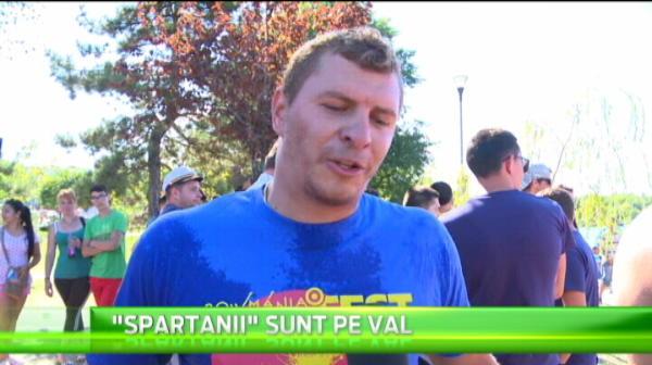"""""""Spartanii"""" fac legea in barca inventata de Patzaichin! Cursa de canotci de pe Dunare a fost castigata de o echipa din Tulcea"""