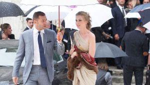 Aparitie eleganta a lui Lobont si sotiei sale la o nunta de 5 stele din Italia. Cum au venit imbracati. FOTO