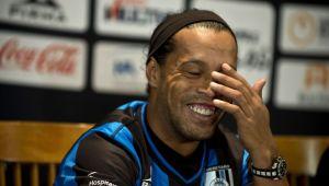 "Ronaldinho, spectacol la conferinta de prezentare in Mexic: ""Am venit sa cuceresc trofee si femei!"" :)"