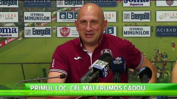"""""""El e cel mai bun atacant din Romania! N-a dat 6 intr-un meci, dar inscrie in fiecare etapa!"""" Pe cine vede peste Keseru"""