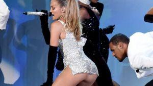 Jennifer Lopez, cu cel mai adanc decolteu posibil: vezi rochia indrazneata in care a aparut in direct. La ce s-au uitat toti