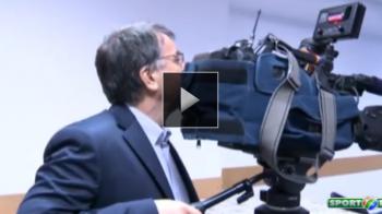 "Nu l-ai mai vazut niciodata asa: presedintele Stelei, cameraman la conferinta de presa: ""Gata, hai, spune acum"" :)) VIDEO"