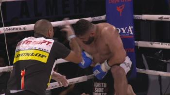 Un turc cat DULAPUL, facut KO cu o serie fantastica de lovituri! VIDEO | Unul dintre cele mai tari knockout-uri de la Amsterdam