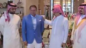 Dialog genial intre Reghe si SEICUL lui Al Hilal in clipa in care ii dadea un plic cu bani! Ce GAFA a comis in fata camerei. VIDEO