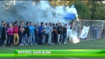 Spectacol la derby-ul Craiovei la copii, fanii au aprins fumigene si torte! Cine a castigat