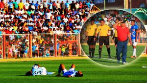 Moment jenant pentru fotbal. Echipa lor pierdea la scor cand 5 jucatori s-au prabusit intr-o sincronizare perfecta. Ce a urmat