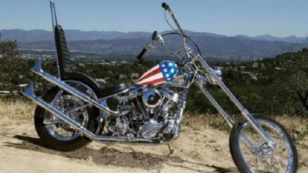 Un Harley Davidson a fost vandut la licitatie cu 1.350.000$, cel mai scump motor din toate timpurile! Cine l-a condus inainte: