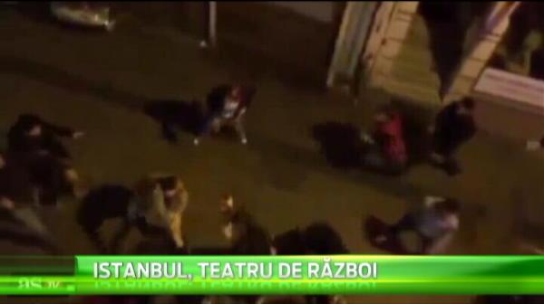 A iesit scandal urias inainte de Galatasaray - Dortmund! Turcii i-au atacat cu cutite pe nemti pe strazile din Istanbul! VIDEO