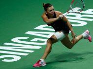 Halep a castigat grupa rosie si joaca cuRadwanska pentru finala la Turneul Campioanelor | ACUM Simona Halep - Ana Ivanovic 6-7.Ana Ivanovic revine de la 5-2
