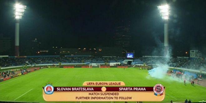 Un meci din Europa League a fost SUSPENDAT pentru 40 de minute! Ce s-a intamplat