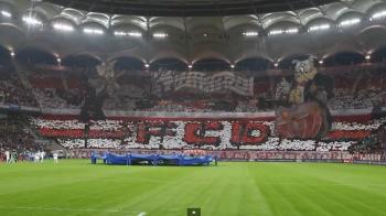 """""""Tu, CAINE, ti-ai luat bilet la Derby?"""" Imagini SENZATIONALE! Cornel Dinu ii cheama pe dinamovisti la meciul cu Steaua"""