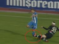 Momente HORROR la meciul dintre Craiova si Viitorul! Bancu si-a rupt piciorul si a fost luat cu ambulanta! ATENTIE IMAGINI DURE