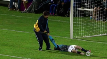 Cele mai tari lovituri de departajare din istoria fotbalului! Un portar apara 5 penalty-uri cu FATA :)) VIDEO