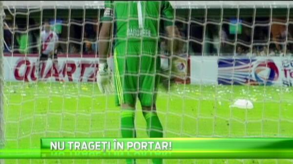 Un portar a fost atacat cu sandale si adidasi, dar a rezistat eroic in Boca - River :) In schimb, un goalkeeper din Vietnam parca l-a vazut pe RAMBO: VIDEO