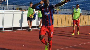 Aparitie fabuloasa a lui N'Doye! Suspendat dupa meciul cu Steaua, senegalezul merge la meciuri de baschet! Cum s-a imbracat :)