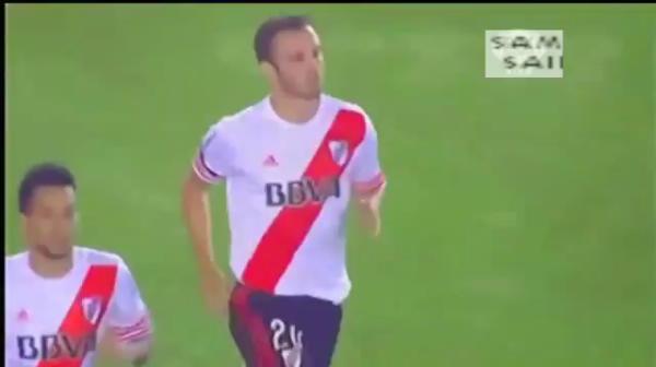 Atmosfera SENZATIONALA la River-Boca! Un jucator a ratat penalty din cauza laserelor, River s-a calificat in finala. VIDEO