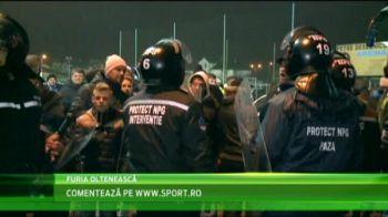 Imaginile care nu au aparut la televizor! Ce s-a intamplat la vestiar dupa meciul de aseara! Stelistii, asediati de olteni! VIDEO