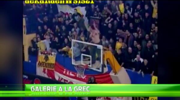 Gestul INCREDIBIL al ultrasilor lui AEK Atena! De unde vede liderul peluzei meciurile echipei lui