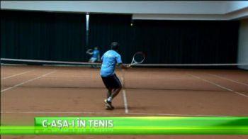 Cam asa joaca Dan Petrescu tenis! :) Cum o imita pe Sharapova cand serveste VIDEO