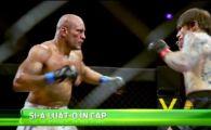 Aparitia de senzatie a unui luptator in ring! Cum a intrat sa se bata! VIDEO