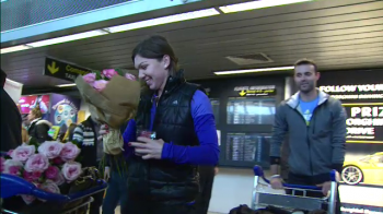 "FOTO Simona Halep a revenit in tara: ""O sa imi revin pana la Indian Wells"" Cine a asteptat-o pe aeroport"