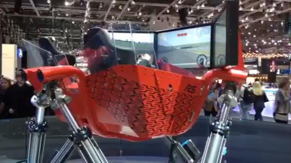 Super simulator auto la Salonul de la Geneva