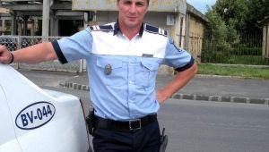 """""""Iei steroizi?"""". Nu o sa-ti vina sa crezi ce ascunde sub uniforma politistul cu simtul umorului din Brasov"""