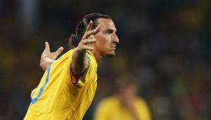 Cel mai norocos gol din cariera lui Zlatan! Suedezul a marcat la fel ca Piturca in meciul dintre Steaua si Galatasaray, apoi a facut show la interviuri