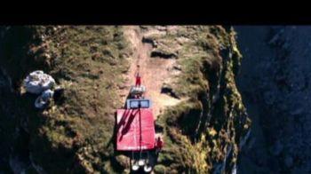 Baschet la nivel inalt! Cei mai curajosi acrobati din lume au jucat pe marginea prapastiei! VIDEO