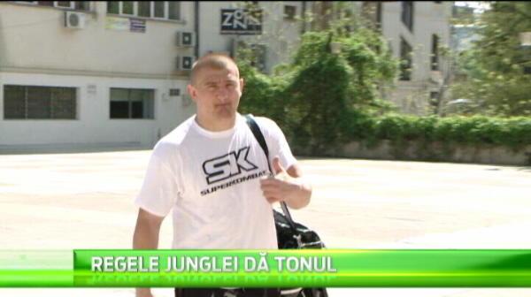 "Morosanu DEVINE cel mai celebru luptator-cantaret din Romania! Cand se lanseaza ""lasa-mi cucu-n pace!""! VIDEO"