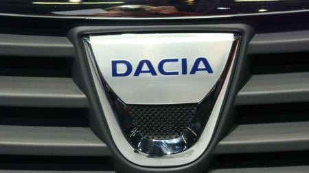 FOTO SOC | Dacia a scos la plimbare un model  imprumutat  de la americani! Cum arata Pick Up-ul cu dubla cabina