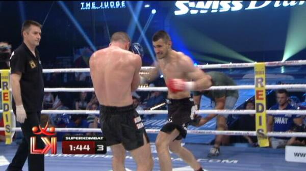 Si primul KO al serii! Cosmin Ionescu l-a trimis in lumea viselor pe Mincu, in runda a treia!