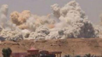 IMAGINI INFIORATOARE! Statul Islamic a DETONAT un stadion de 30.000 de locuri in Irak, campionatul in care Florin Costea si Daminuta joaca la echipa lui Ilie Stan