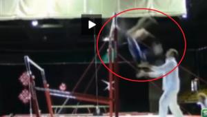 Aproape de o tragedie: o gimnasta, salvata in ultima clipa de antrenor! Prindere de 10 pentru o aterizare de ZERO VIDEO