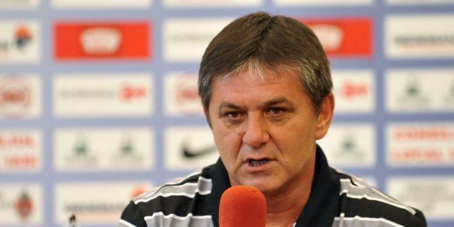 Lacatus a fost sunat de fanii Fiorentinei:  Cand te intorci in antrenorat?  Raspunsul dat in Italia de legenda Stelei