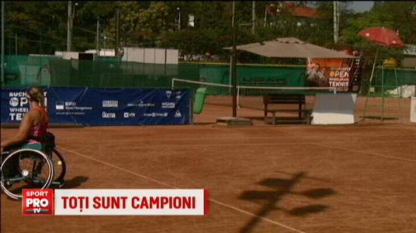Imagini impresionante! Peste 40 de sportivi s-au intrecut la campionatul de tenis in scaune cu rotile! VIDEO