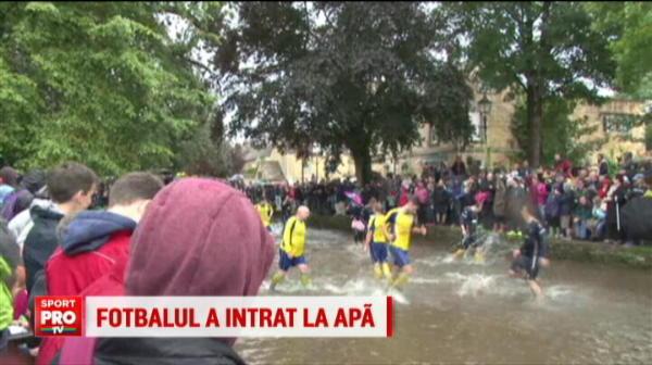 VIDEO   Cei mai nebuni englezi au mutat stadionul de fotbal intr-un...RAU! Ce a iesit in momentul in care arbitrul a fluierat :)