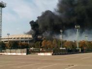 FOTO   Incident grav in Rusia: stadionul care trebuie sa gazduiasca finala Mondialului din 2018 a luat foc. Pompierii se lupta cu flacarile