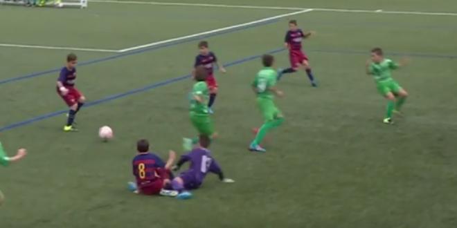 GOL MAGIC pentru pustii Barcelonei! Messi, Iniesta, Neymar si Suarez au fost COPIATI la o SUPERFAZA a copiilor