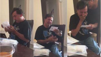 Din dragoste pentru fotbal | Reactia fantastica a unui suporter care primeste pentru prima data bilete la meciul echipei sale: VIDEO