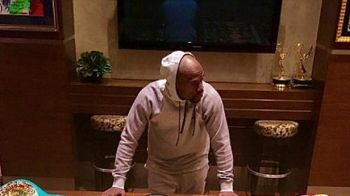Floyd Mayweather a lovit din nou! Super aroganta in ultima fotografie postata pe Facebook. FOTO