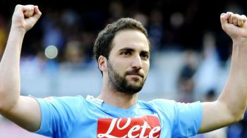 El e jucatorul MINUNE al lui Napoli! 'Noul Maradona' e atacant si da goluri NON STOP. Cum ajunge la titlu echipa lui Chiriches