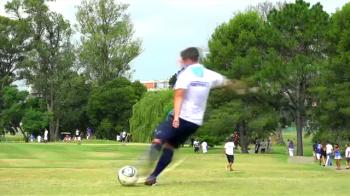 Cel mai CIUDAT fotbal din 2016 vine din Argentina! Cum arata FOTBAL-GOLFUL, noua nebunie din sport