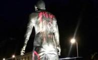 """Reactia bizara a surorii lui Cristiano Ronaldo dupa ce statuia acestuia a fost vandalizata cu """"Messi 10"""": """"In Siria cu huliganii astia!"""""""