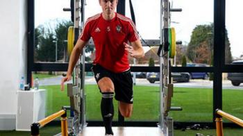 """Gardos nu renunta la visul de a merge la EURO. Fundasul a reinceput antrenamentele dupa accidentarea grava suferita in 2015: """"Sper sa intru curand pe teren"""""""
